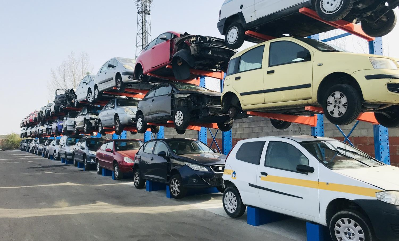 parc de voitures d'un centre VHU